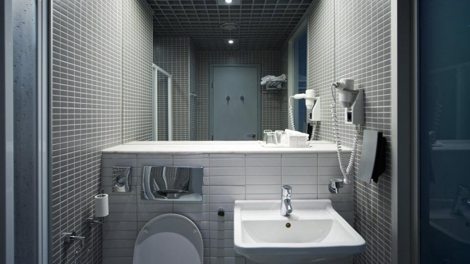 rodyvar baño hotel